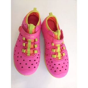 Stride Rite Made2Play Phibian Girls Water Shoes